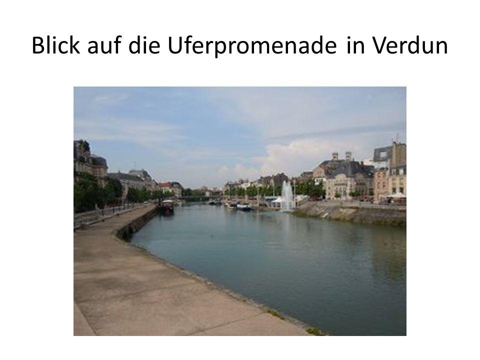 Blick auf die Uferpromenade in Verdun