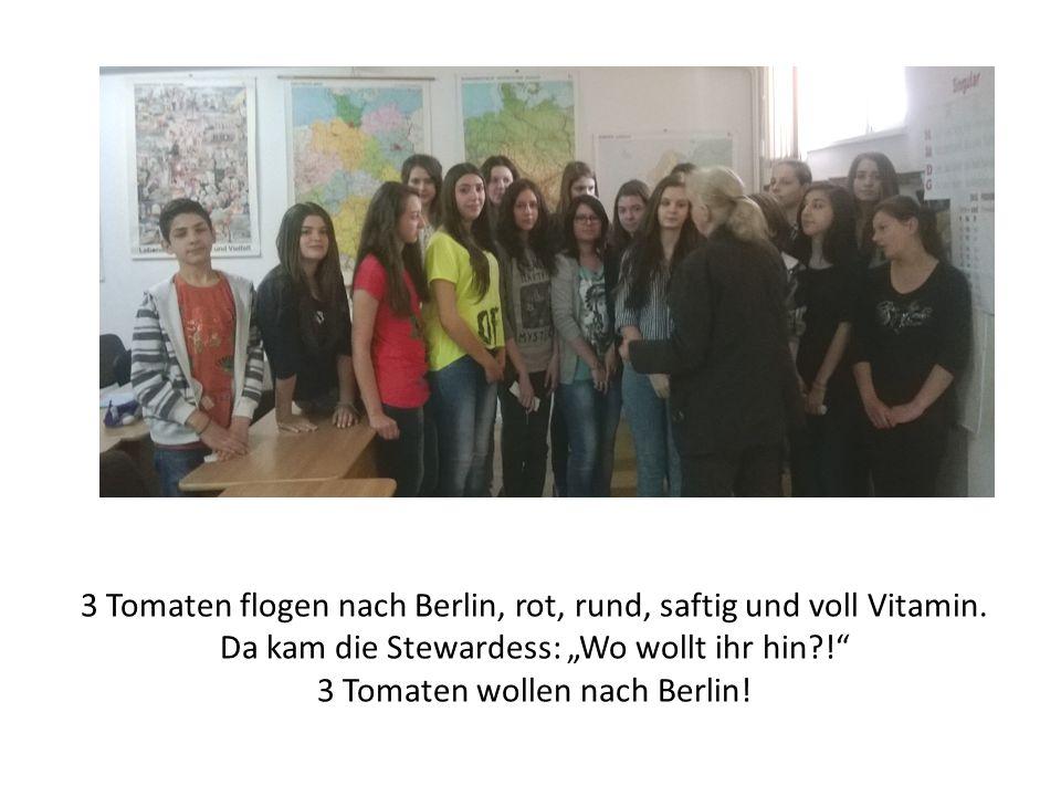 """3 dicke Gurken flogen nach Berlin, grün, krumm, lang und sehr, sehr aktiv Da kam die Stewardess: """"Wo wollt ihr hin?! 3 dicke Gurken wollen nach Berlin!"""