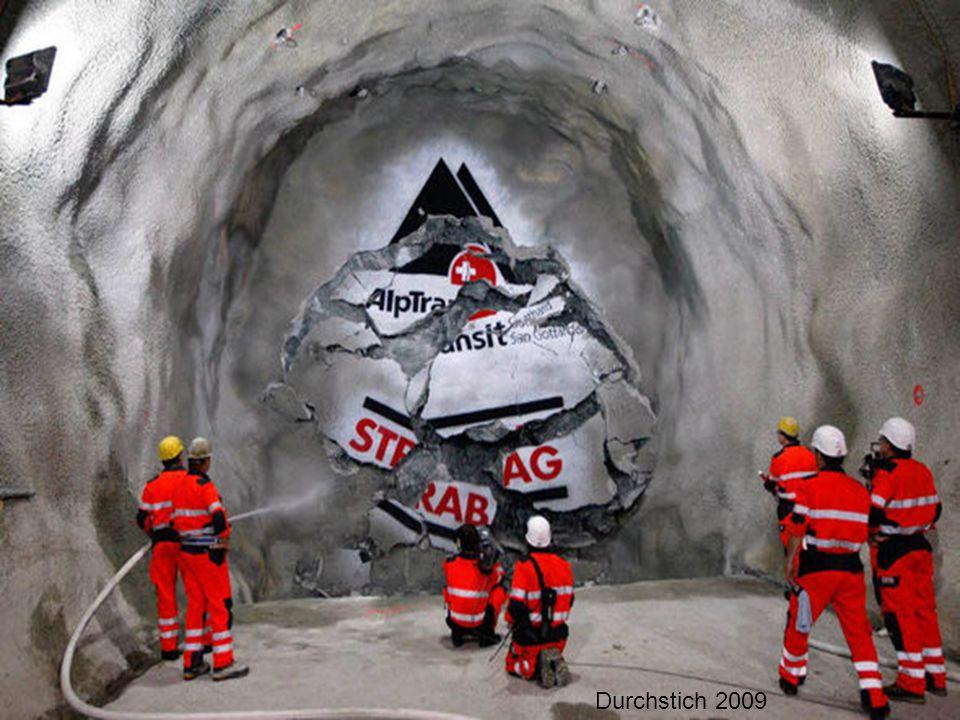 70 % d'humidité Die Feuchtigkeit in den Tunnel ist 70%... 125 000 Liter Wasser sickert durch die Wände des Tunnels in einem Jahr