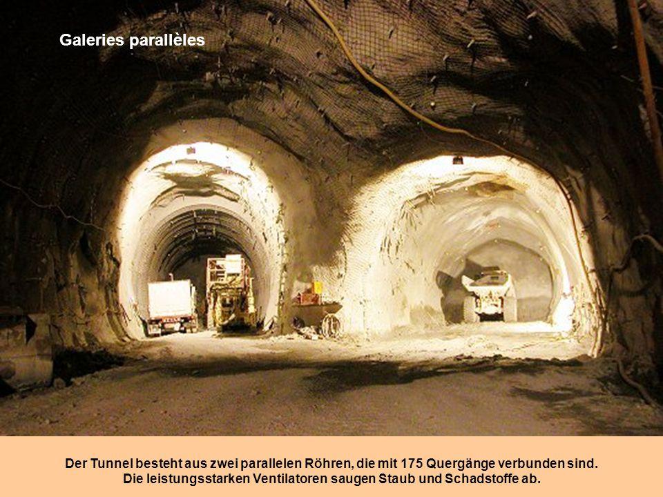 A l'explosif Bei geologischen Hindernissen muss Sprenstoff oder « Jumbo » eingesetzt werden Der Wagen ist mit 4 solcher Bohrer ausgerüstet